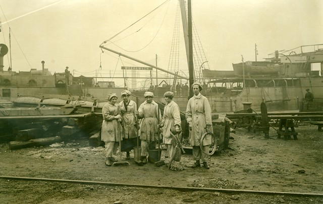 The Wallsend Slipway and Engineering Company Limited, which constructed 'Mauretania's turbines, with female workers in the yard. ND 1914-1918 Tyne & Wear Archives & Museums DS.WS/143/35